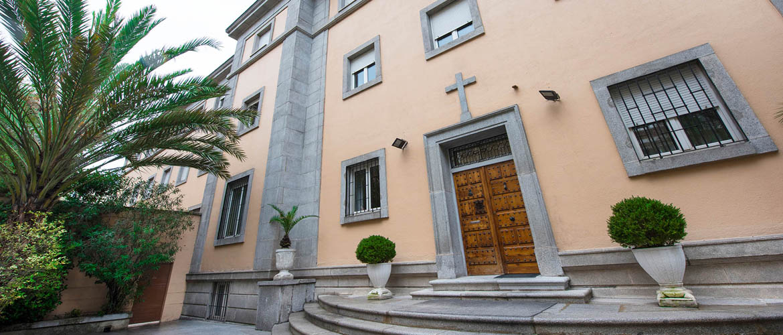 fachada-residencia-universitaria-santisima-trinidad-madrid