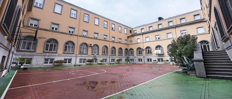 instalaciones-deportivas-residencia-universitaria-santisima-trinidad-madrid.jpg