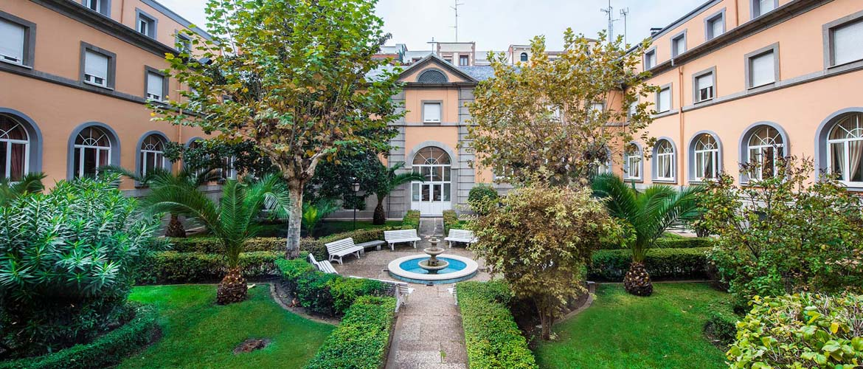 jardines-residencia-universitaria-santisima-trinidad-madrid
